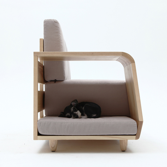 Dog House Sofa by Seungji Mun
