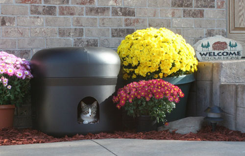 Kitty Tube Fully Insulated Outdoor Cat House with Pillow