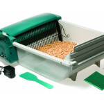 Pet Zone Smart Scoop Automatic Litter Box Works Quiet with Its Metal Rake